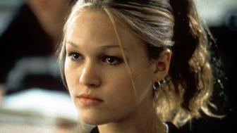 Julia Stiles sitting in class in a scene from the film '10 Things I Hate About You', 1999. (Photo by Buena Vista/Getty Images)