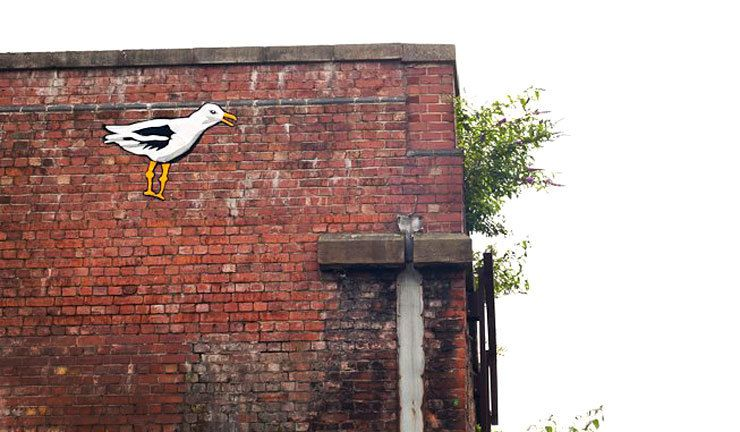 "Lucy Sparrow's Street Art seagull made as ""graffelti"" in Manchester, 2012. (photo ©Lucy Sparrow)"