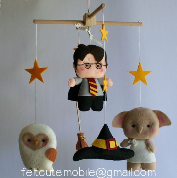 "$139.90, <a href=""https://www.etsy.com/listing/468234050/baby-shower-harry-potter-mobile-baby"" target=""_blank"">feltcutemobile"