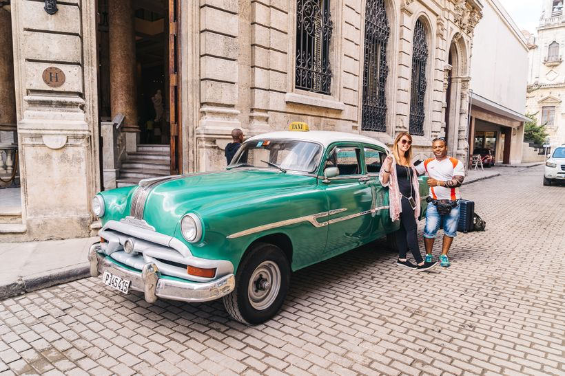 """<a rel=""""nofollow"""" href=""""https://www.thetravelpockets.com/new-blog/48-hours-in-cuba"""" target=""""_blank"""">Friendly taxi driver that"""