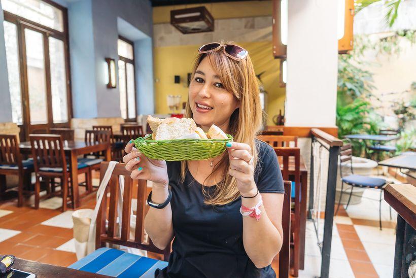 """<a rel=""""nofollow"""" href=""""https://www.thetravelpockets.com/new-blog/48-hours-in-cuba"""" target=""""_blank"""">Breakfast in Old Havana i"""