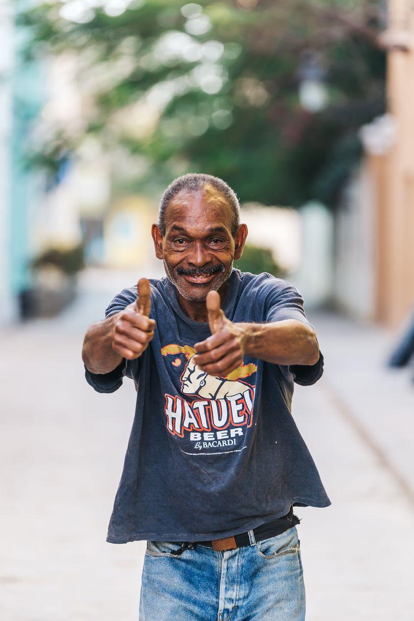 "<a rel=""nofollow"" href=""https://www.thetravelpockets.com/new-blog/48-hours-in-cuba"" target=""_blank"">Friendly Cuban man celebr"