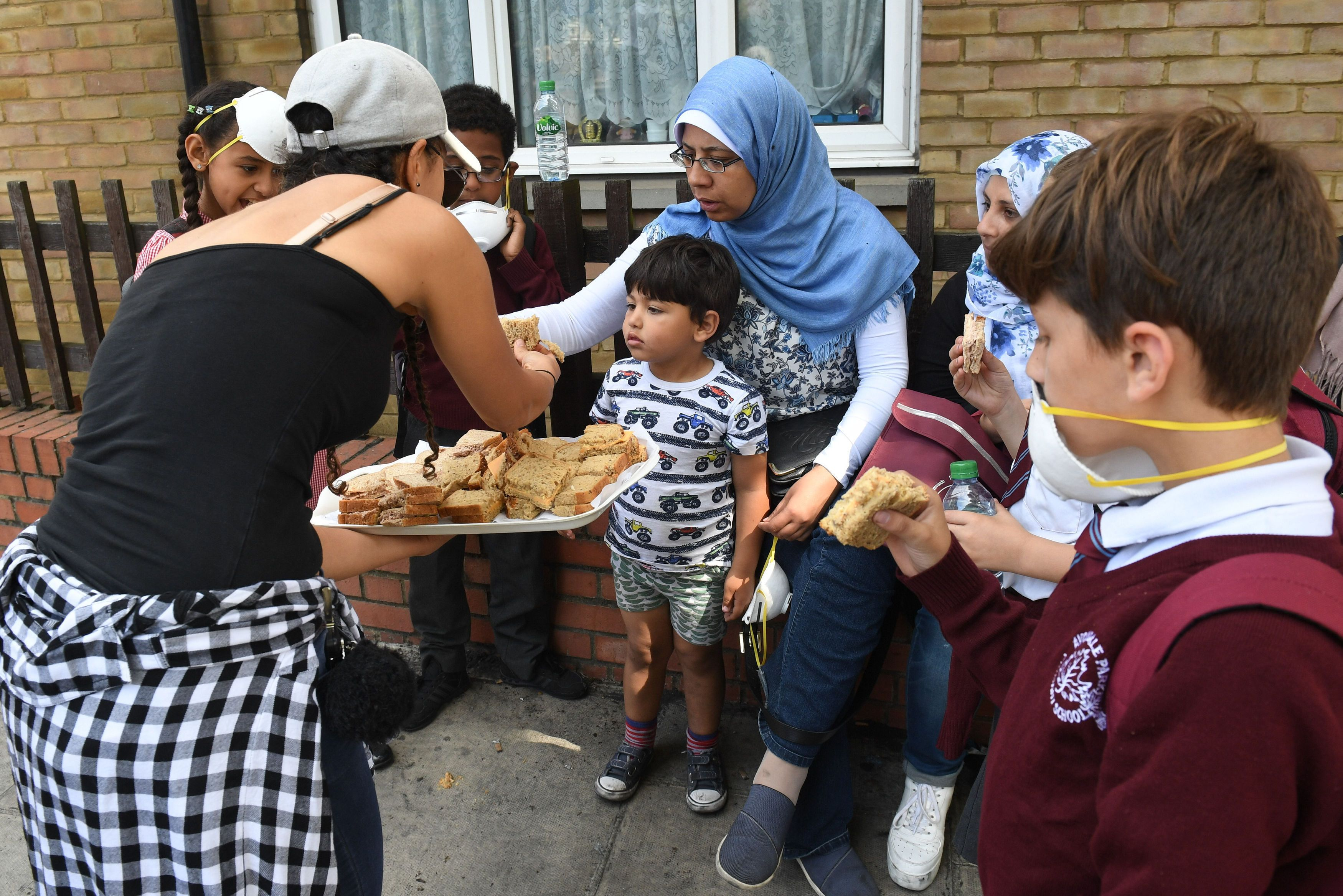 London Fire: Locals Praise Muslims For Helping Save