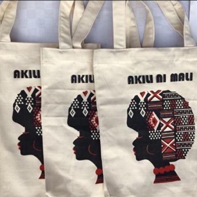 "you can support the tour by buying a tote bag <a rel=""nofollow"" href=""https://m.facebook.com/commerce/shop/?page_id=182283095"