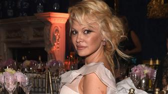 NORTHAMPTON, ENGLAND - JUNE 14:  Pamela Anderson attends the Global Gift Gala for The Diana Award, hosted by Earl Spencer at Althorp House on June 14, 2017 in Northampton, England.  (Photo by David M Benett/Dave Benett/Getty Images for Global Gift Gala)