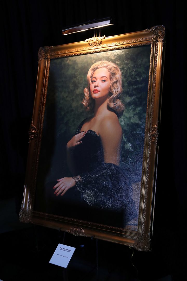 Sasha Pieterse should get to hang this portrait on her mantel.