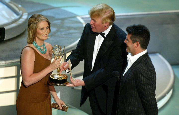 """Cynthia Nixon accepts her award for Best Supporting Actress in a Comedy Series for """"Sex and the City"""" with Donald"""
