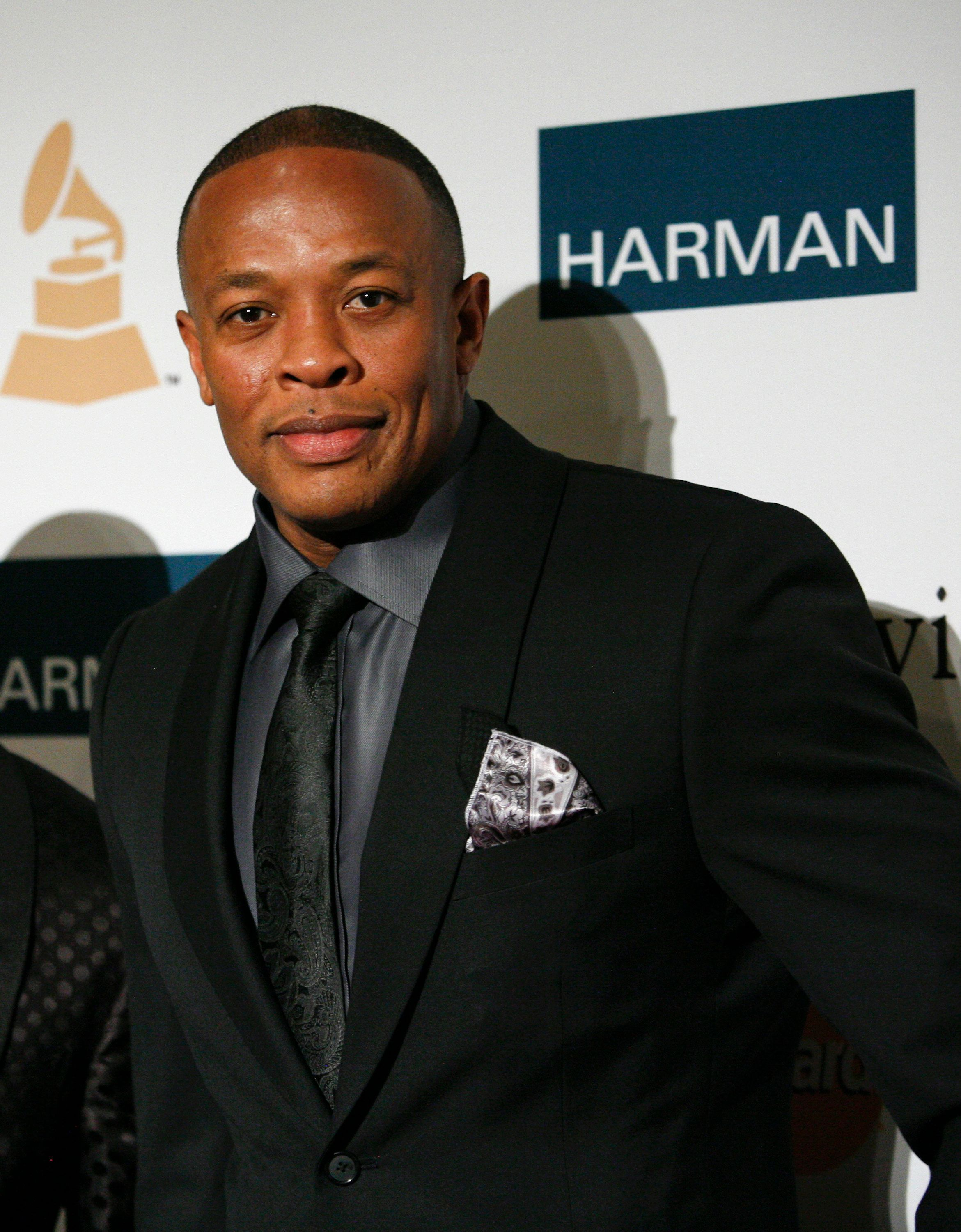 Rapper and producer Dr. Dre arrives at the Clive Davis and Recording Academy Pre-Grammy Gala and Salute to Industry Icons in Beverly Hills, California February 11, 2012. REUTERS/Jason Redmond   (UNITED STATES - Tags: ENTERTAINMENT)