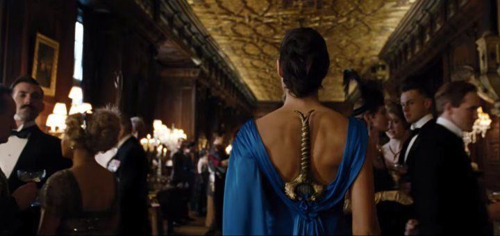 5944bb2e1600002200116a61?ops=scalefit_720_noupscale wonder woman inspires crazy sword in the dress memes huffpost