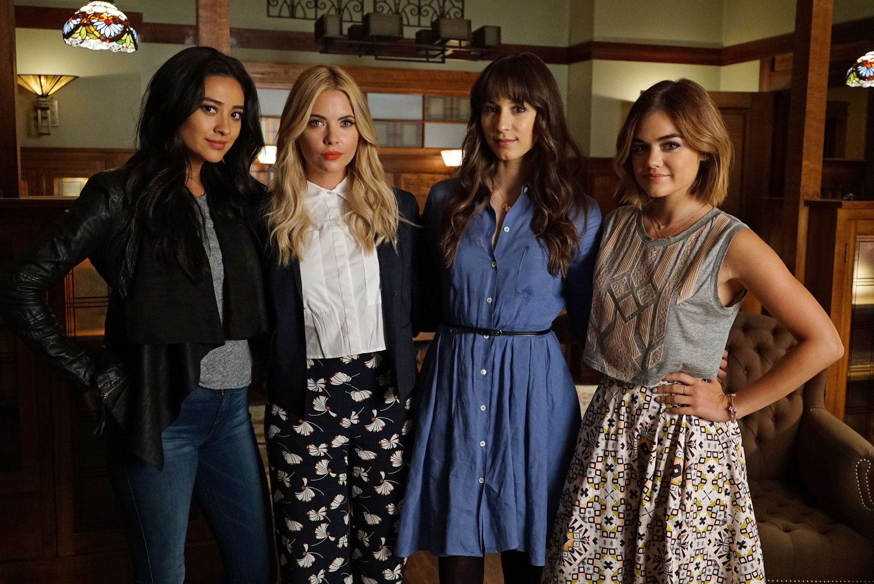 Fashion from pretty little liars 9