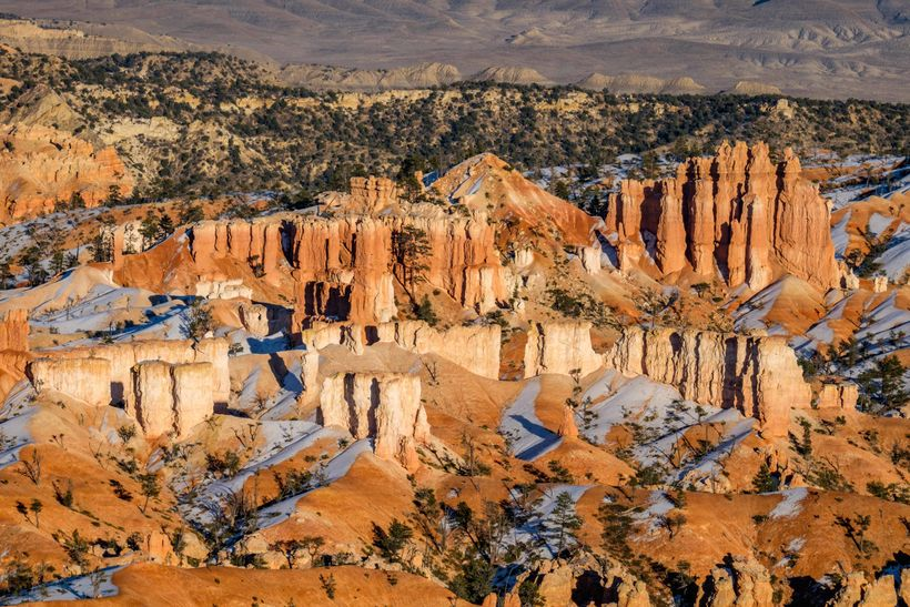 <em>A classic scene of the Bryce Amphitheater viewed along a walk between Sunrise and Inspiration Point.</em>