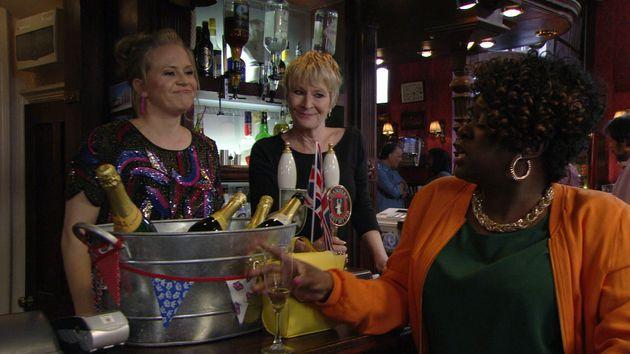 Linda Carter returns to 'EastEnders' next