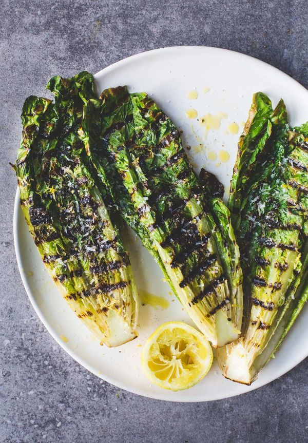 "<strong>Get the <a href=""http://heartbeetkitchen.com/2016/recipes/type/vegetables/grill-lettuce-video-italian-grilled-romaine"