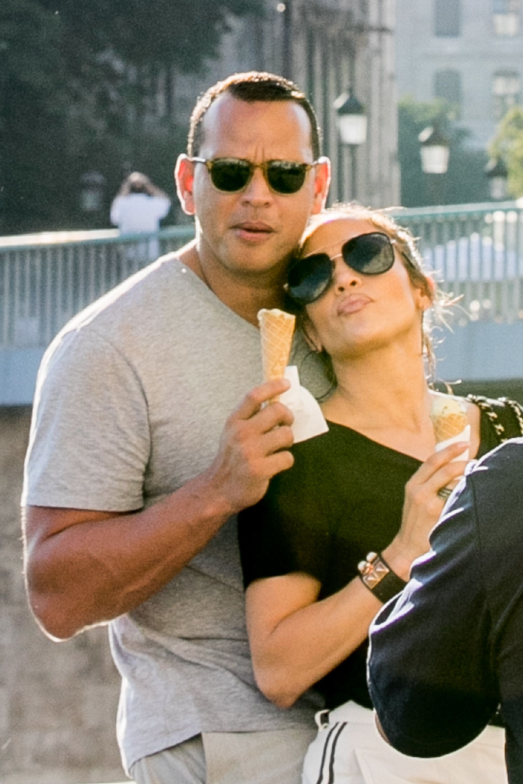 PARIS, FRANCE - JUNE 18:  (L-R) Alex Rodriguez and Jennifer Lopez are sighted on the 'Ile Saint Louis' near Notre-Dame-De-Paris cathedral on June 18, 2017 in Paris, France.  (Photo by Marc Piasecki/GC Images)