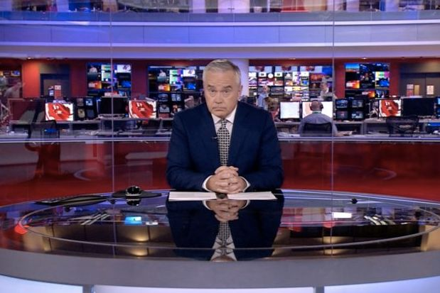 BBC News At Ten: Huw Edwards Copes With The BBC News At Ten Meltdown Like A