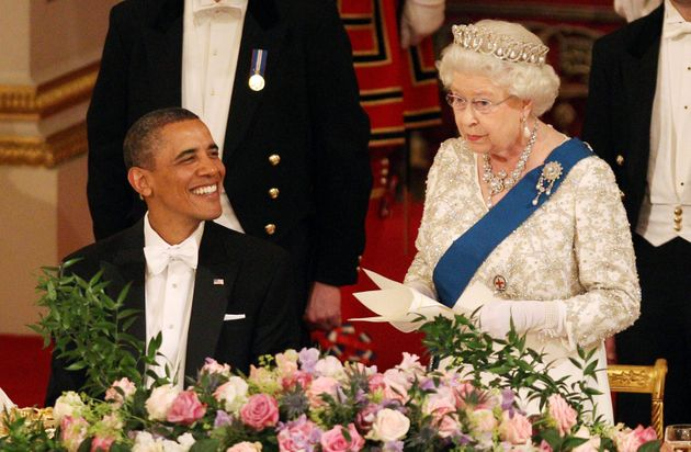 The Queen pays tribute to President Barack Obama on his state visit in