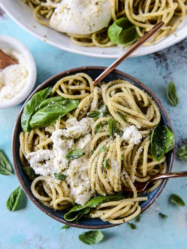 "<strong>Get the <a href=""http://www.howsweeteats.com/2016/08/pesto-and-burrata-bucatini/"" target=""_blank"">Pesto and Burrata B"