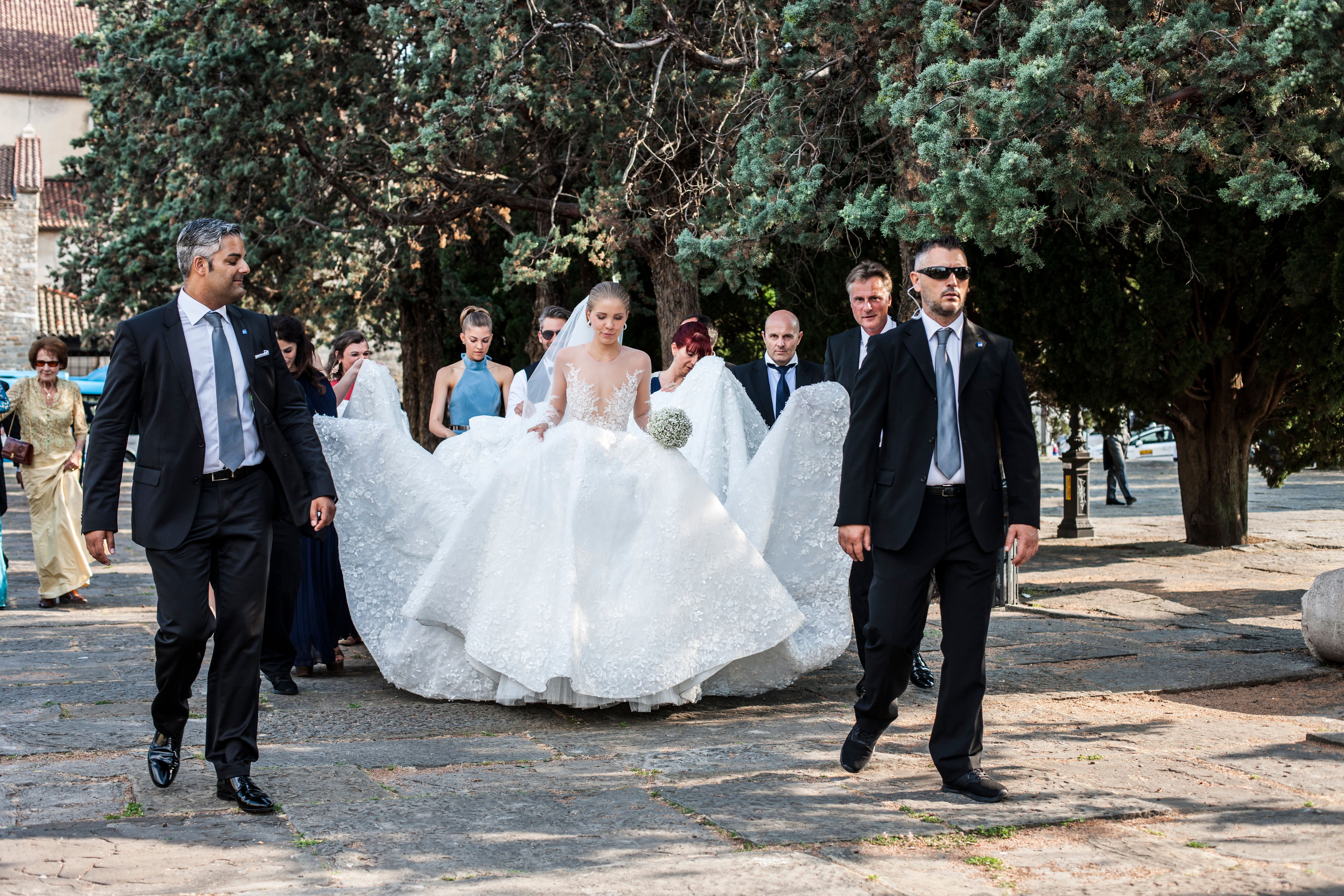 Victoria Swarovski's Wedding Dress Weighed 46kgs And Was Covered In 500,000