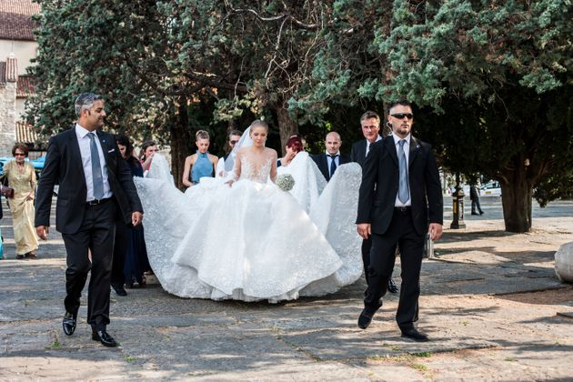 Victoria Swarovski's Wedding Dress Weighed 7st 3lbs And Was Covered In 500,000