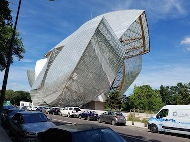 Fondation Louis Vuitton, Paris, France