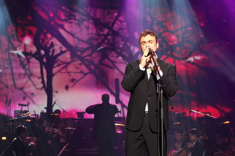David D'Or performs