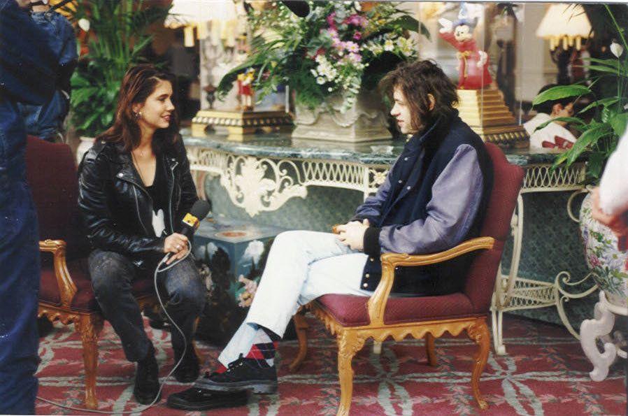 Backer interviews Irish singer-songwriter Bob Geldof during her time as an MTV Europe