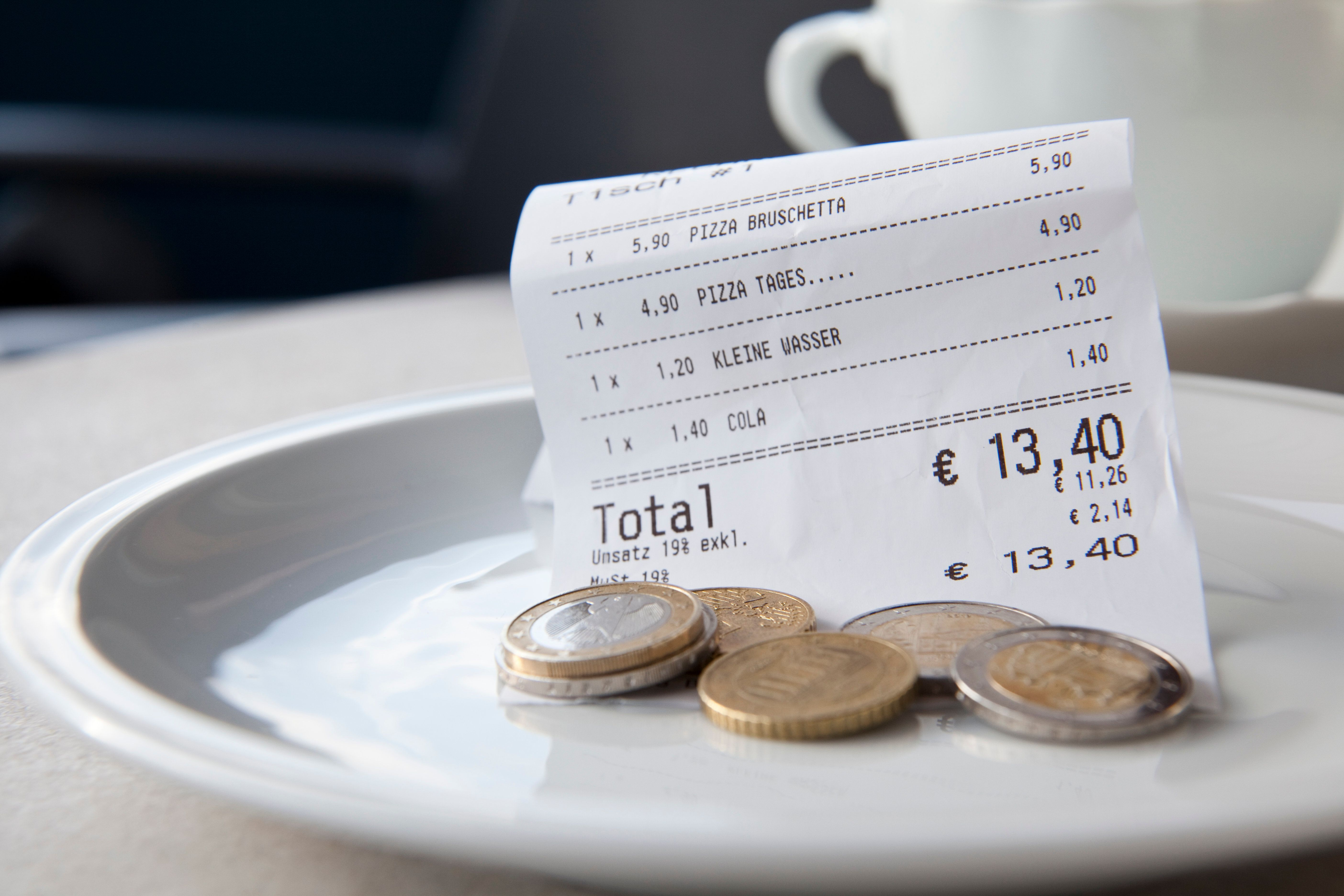 How Much You Should Tip Around The World (And The Countries Where Tipping Is