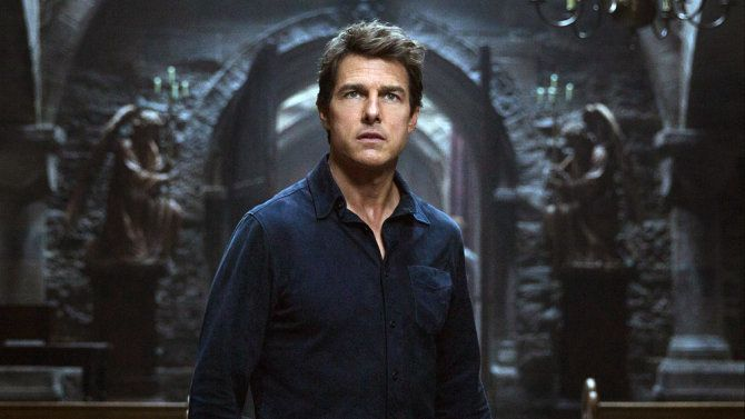 "Tom Cruise stars in the critically derided ""The Mummy."""