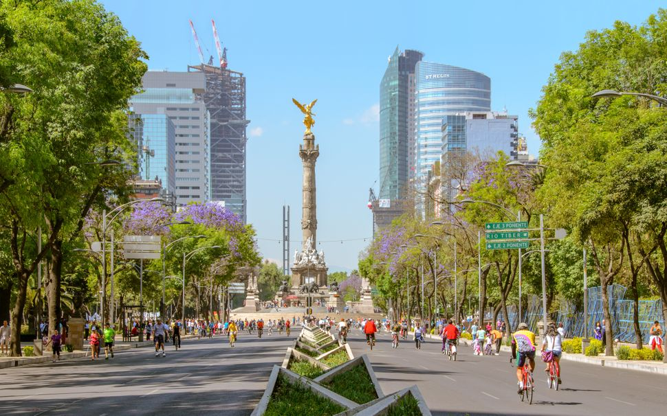 "Mercer Cost of Living rank: 177 of 209<br><br>This <a href=""https://www.lonelyplanet.com/mexico/mexico-city"" target"