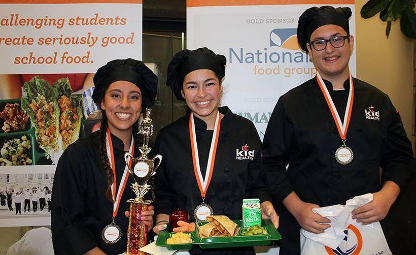 "Student chefs from Greater Orange County's <a rel=""nofollow"" href=""https://twitter.com/LaHabraHS"" target=""_blank"">La Habra Hi"