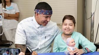 MADRID, SPAIN - JUNE 19:  Daddy Yankee visits chidren at Childhood Oncology area at La Paz Hospital organized by the Juegaterapia Foundation that fight against childhood cancer on June 19, 2017 in Madrid, Spain.  (Photo by Europa Press/Europa Press via Getty Images)