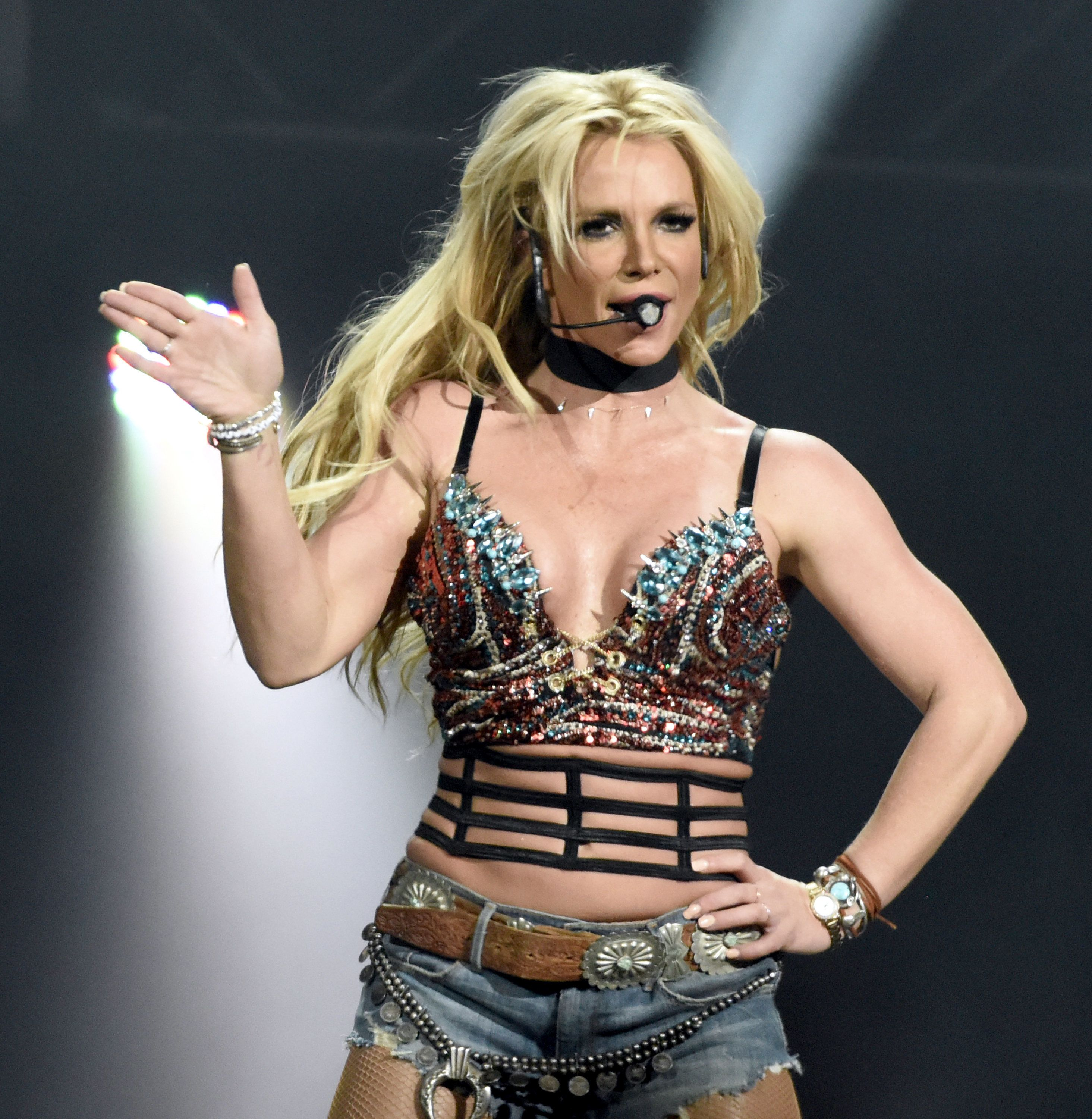 SAN JOSE, CA - DECEMBER 03:  Britney Spears performs during Now! 99.7 Triple Ho Show 7.0 at SAP Center on December 3, 2016 in San Jose, California.  (Photo by Tim Mosenfelder/Getty Images)