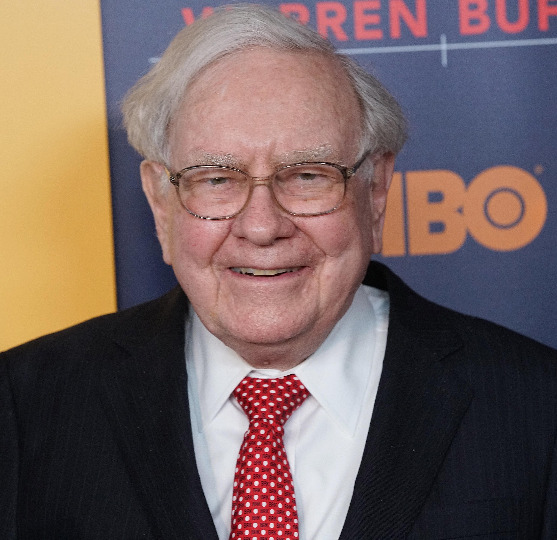 NEW YORK, NY - JANUARY 19:  Warren Buffett attends 'Becoming Warren Buffett' World premiere at The Museum of Modern Art on January 19, 2017 in New York City.  (Photo by Bennett Raglin/WireImage)