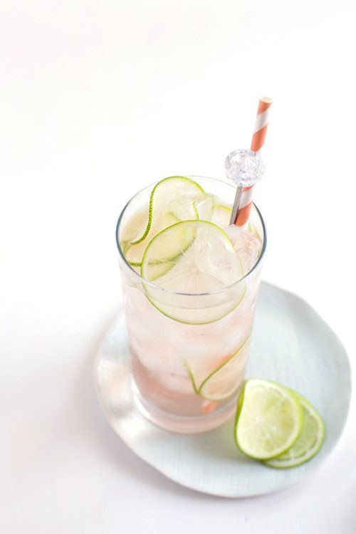 "<strong>Get the <a href=""http://www.hungrygirlporvida.com/blog/2015/08/12/lime-rose-spritzer/"" target=""_blank"">Lime Ros&eacut"