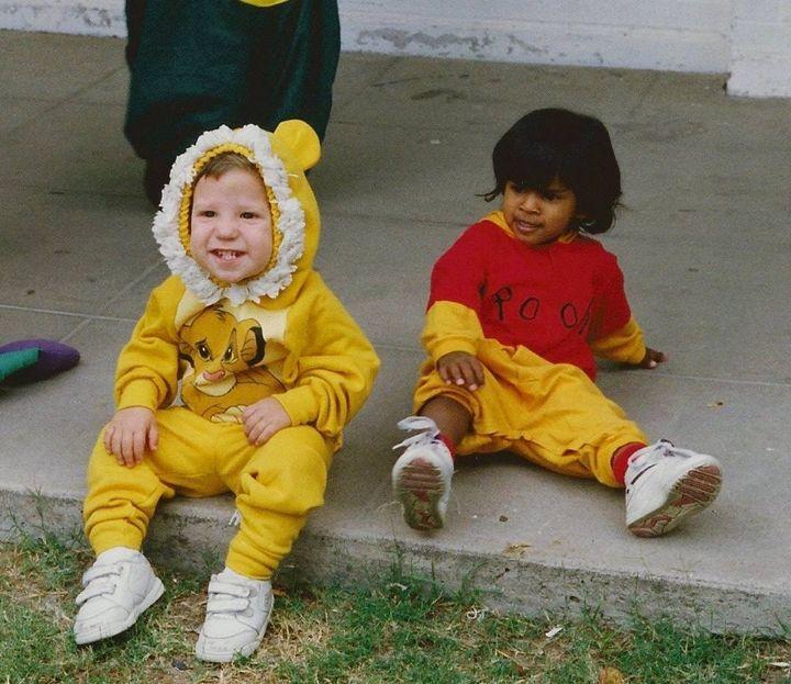 Laura et Matt déguisés en Winnie et Simba (DR)