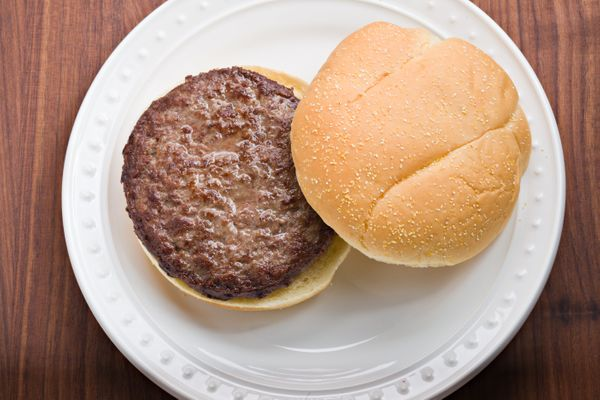 Get out of here, medium-rare burgers. Trump doesn't want to see any red when he bites into his meat patty. That's right, <a h