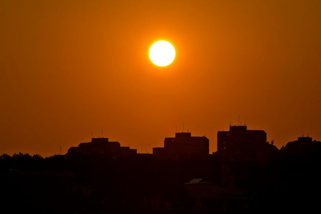 Did Iran's Ahvaz record the hottest temperature on earth at 54°C?