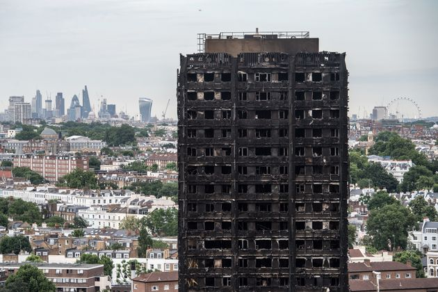 Grenfell Tower: Council leader stands down over blaze 'failings'