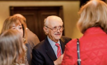 Mario Molina speaking with fellow Tyler Prize event attendees prior to Professor Sarukhán's lecture in Washington D.C.