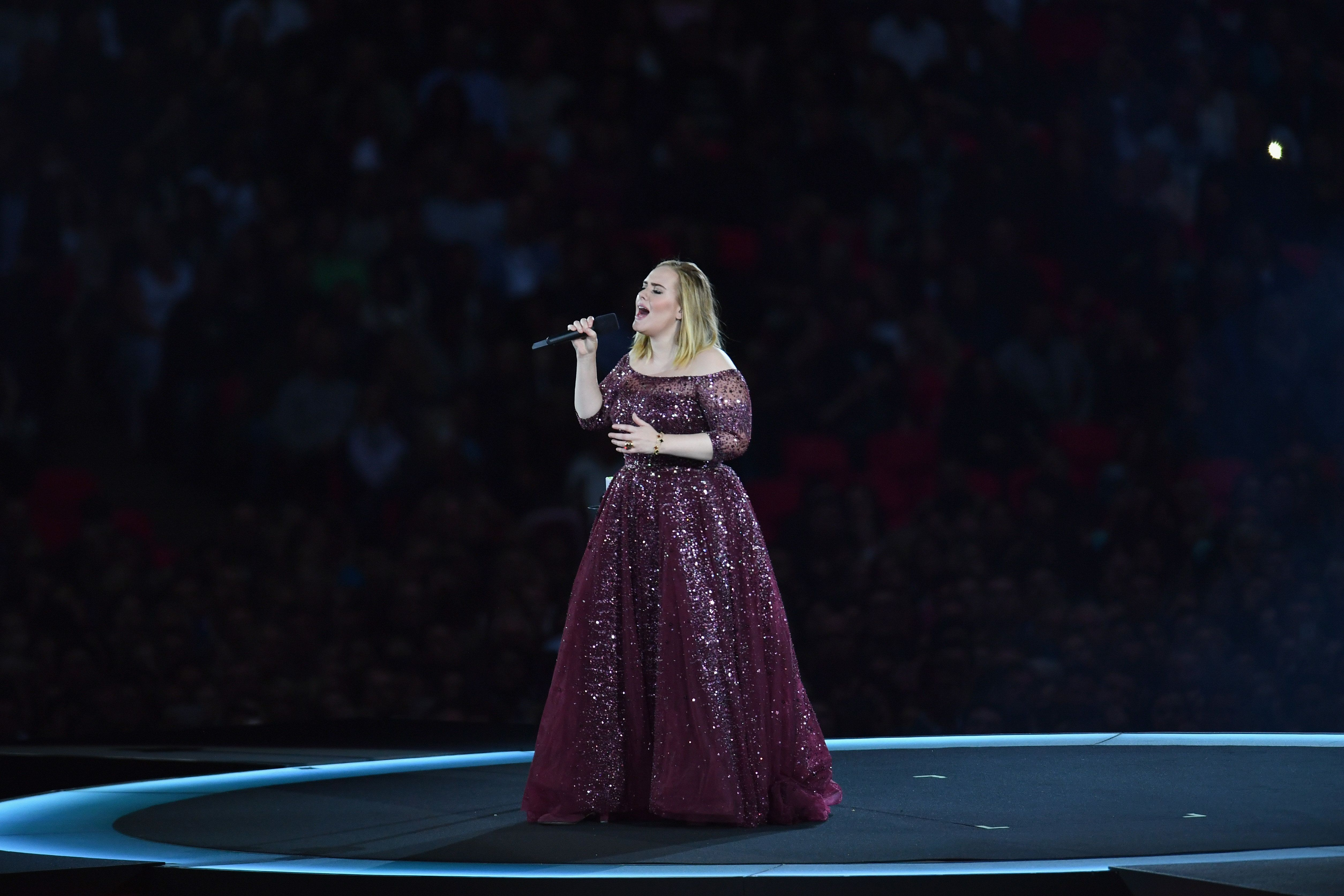 LONDON, ENGLAND - JUNE 28:  Adele performs at Wembley Stadium on June 28, 2017 in London, England.  (Photo by Gareth Cattermole/Getty Images for September Management)