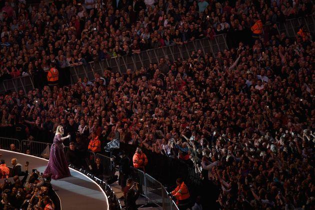 Adele Wembley Stadium Shows Cancelled After Singer Damages Vocal