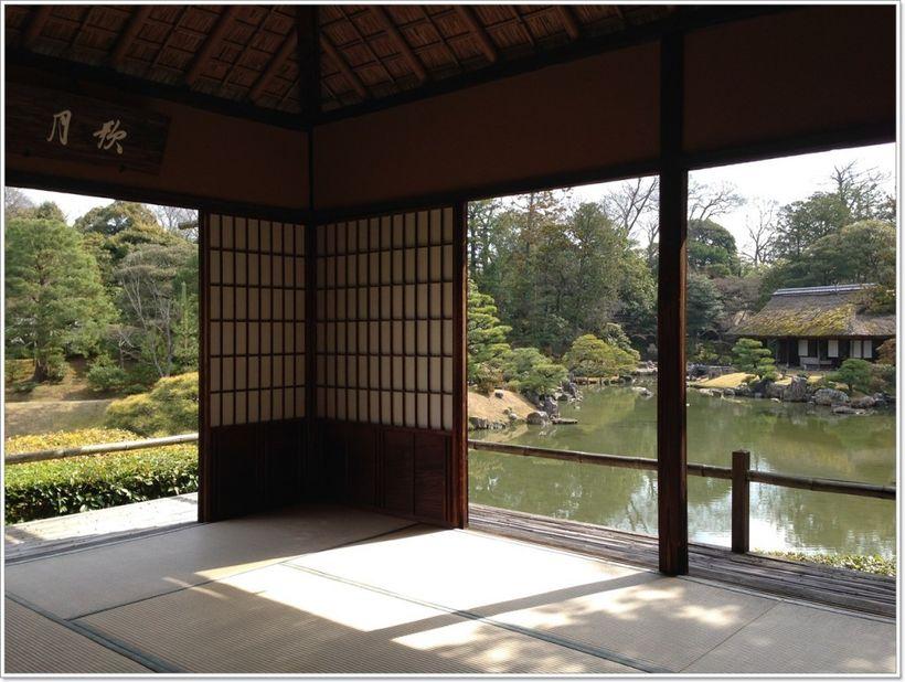 shoji screen & pond at Katsura Villa