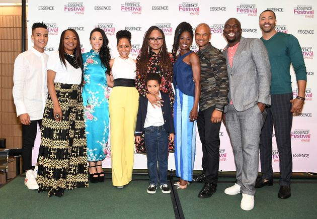 DuVernay (center) poses with the cast of