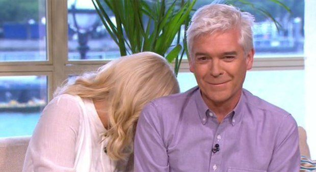 Holly Willoughby (And Twitter) Left In Hysterics After Guide Pony Poos On 'This Morning' Studio