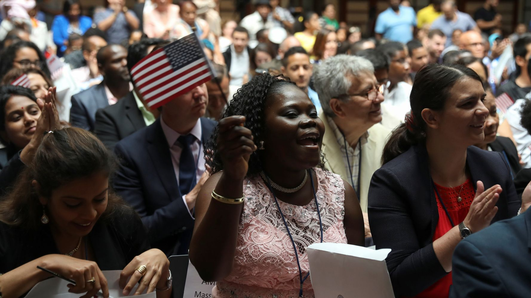 15,000 People Become New U S  Citizens To Celebrate Fourth