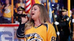 Kelly Clarkson Lowers The Boom On Jerk Who Calls Her