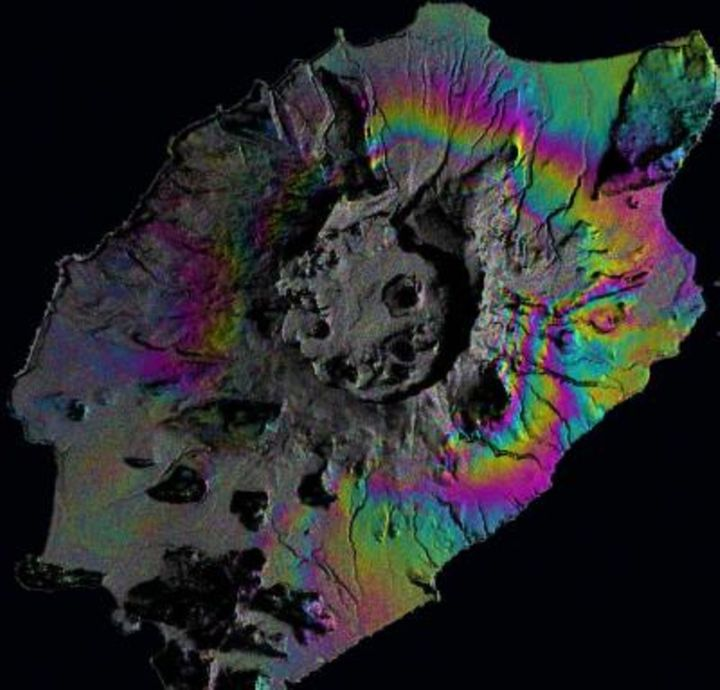 Satellite data from Okmuk volcano in Alaska shows how much the ground was deformed after an eruption.