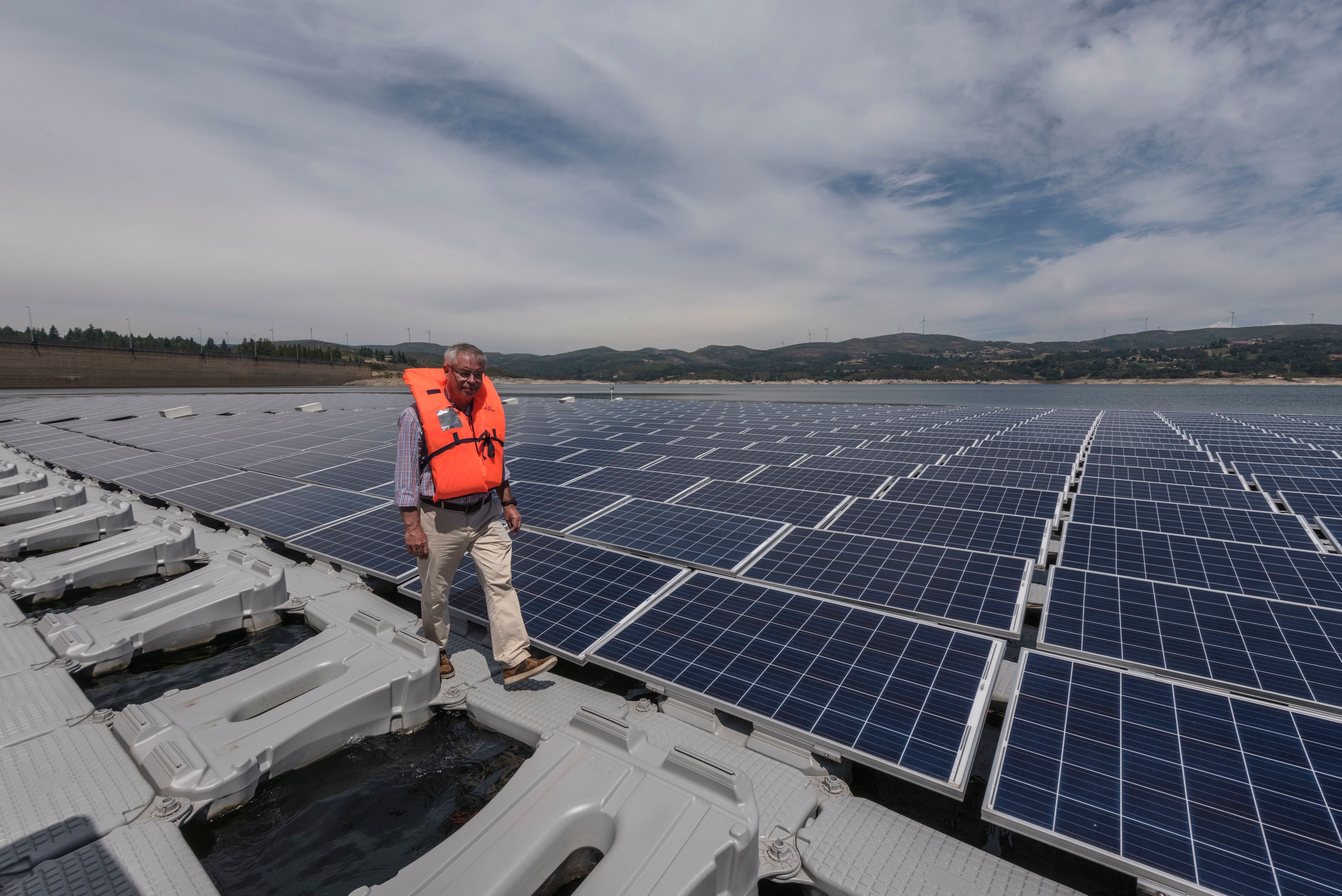 Floating solar panels at Alto Rabagão dam, the world's first combined hydro and floating photovoltaic project, were of