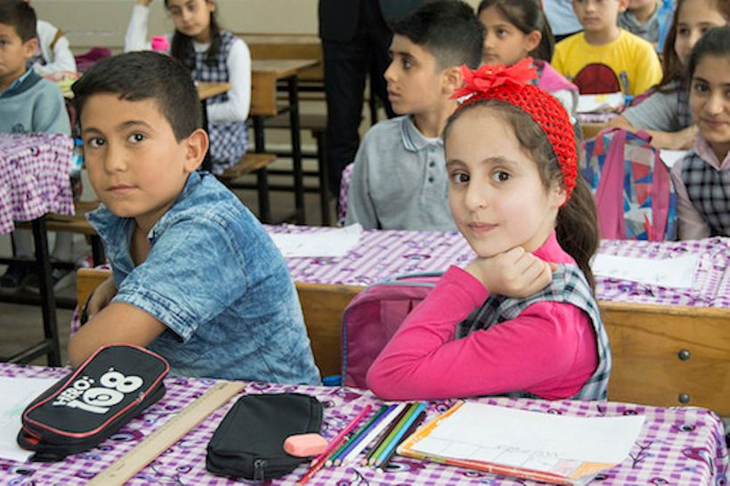 <strong>Turkish students and Syrian refugees are educated together at Istoc Primary School which was visited by Theirworld</s