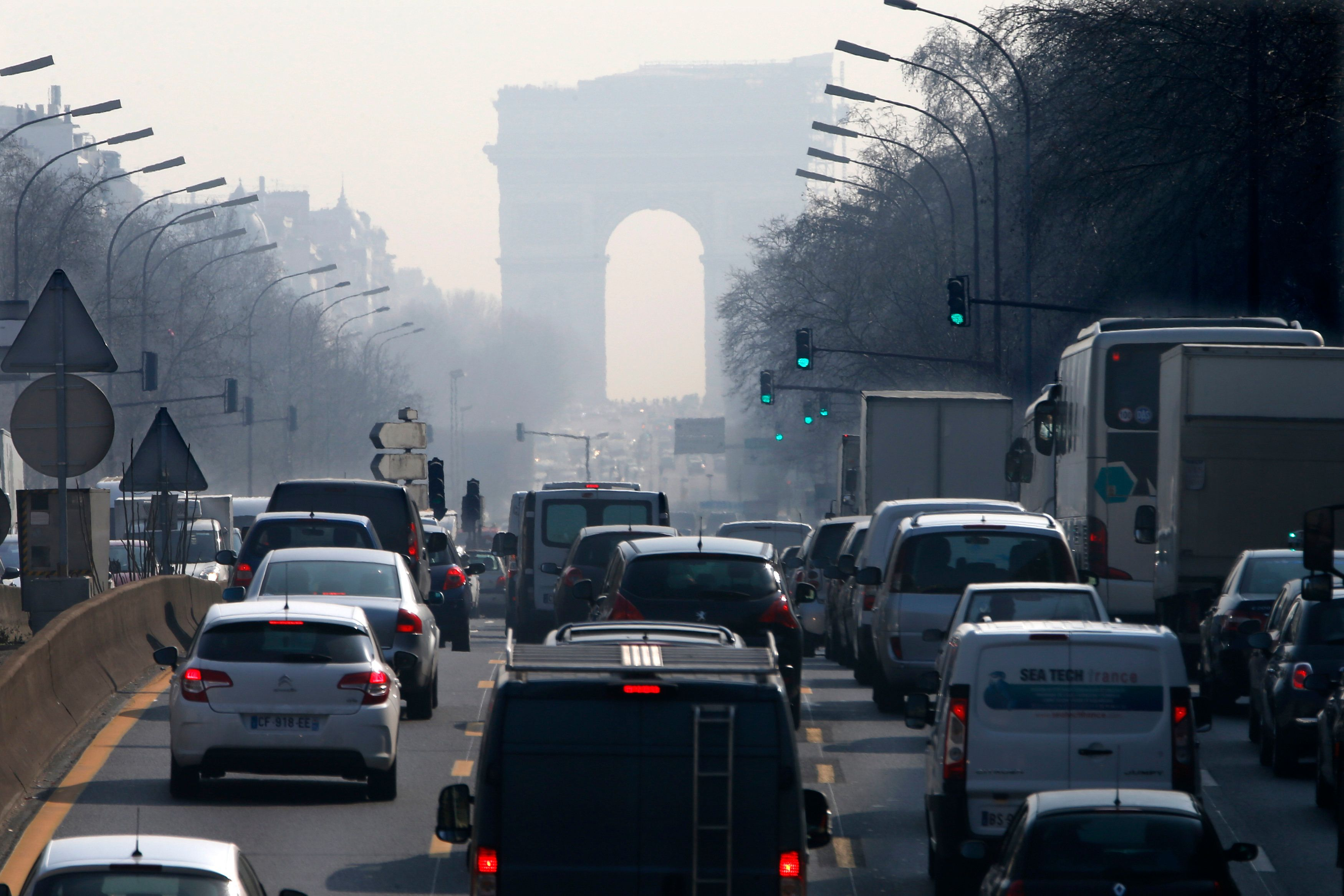 France Plans To Completely Ban All Petrol And Diesel Cars By